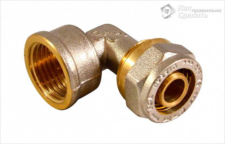 fiting-dlya-soedineniya-matalloplastikovoy-truby-s-trubami-iz-drugih-materialov.jpg