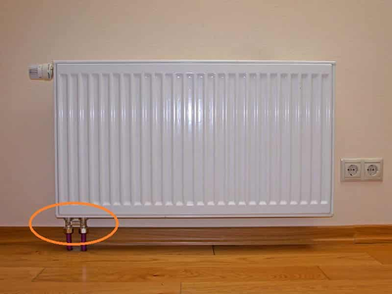 stalnoj-radiator-s-nizhnim-podkljucheniem.jpg