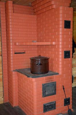 Удобная-кирпичная-печь-для-дома-с-варочной-плитой.jpg