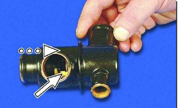 2-avtomobilnyj-termostat-.jpg