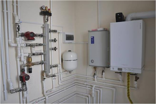Пример-установки-газового-и-электрического-котла-параллельно..jpg