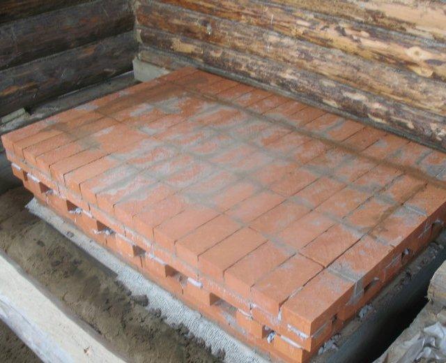 gidroizolyatsiya-mezhdu-betonom-i-kirpichom-obyazatelna.jpg