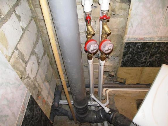 Glavnaya-truba-kanalizatsii.jpg