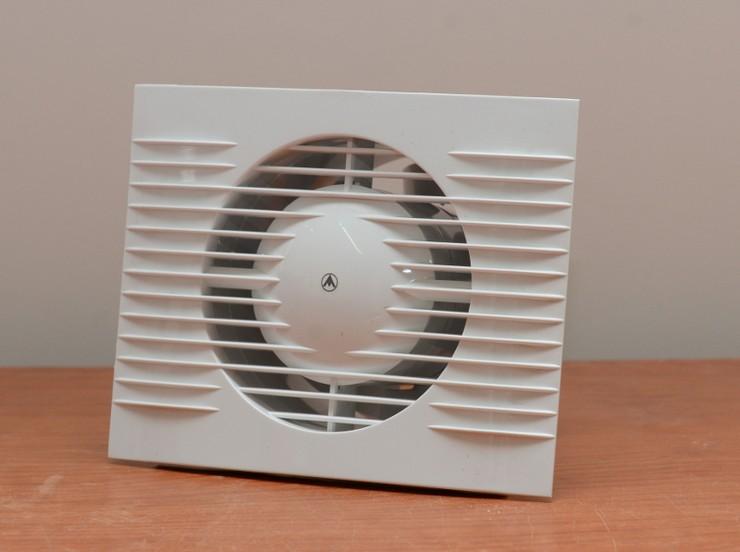 ventilyator-vityagnoi.jpg