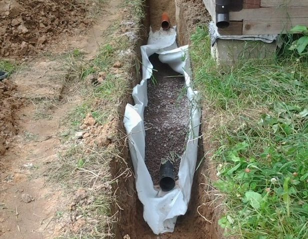 FOTO8-Keramzit-dlya-teploizolyatsii-kanalizatsii.jpg