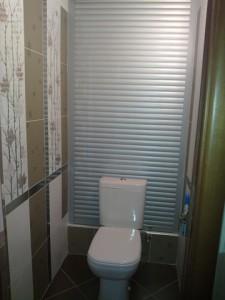 rollety-v-tualet3-225x300.jpg