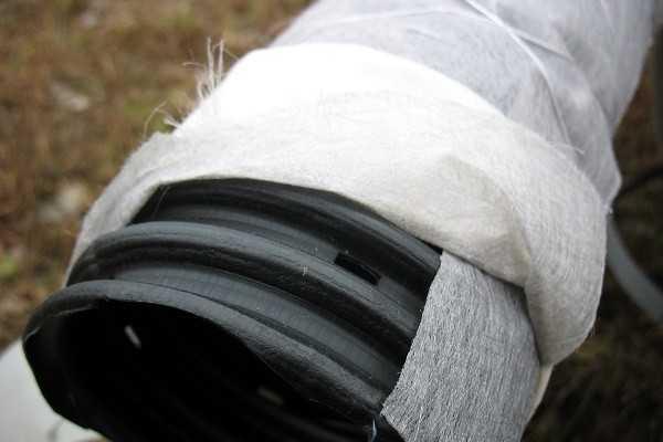 Уклон сливной трубы. Уклон дренажной трубы: расчеты, стандарты   особенности монтажа дренажа на склоне