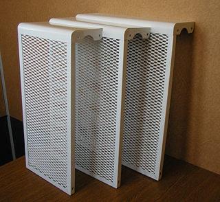 metallicheskie-ekrany-dlya-batarey-otopleniya-320x294.jpg