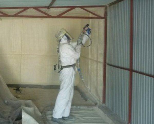 uteplenie-garazha-iznutri-penopoliuretanom-e1501749917926.jpg