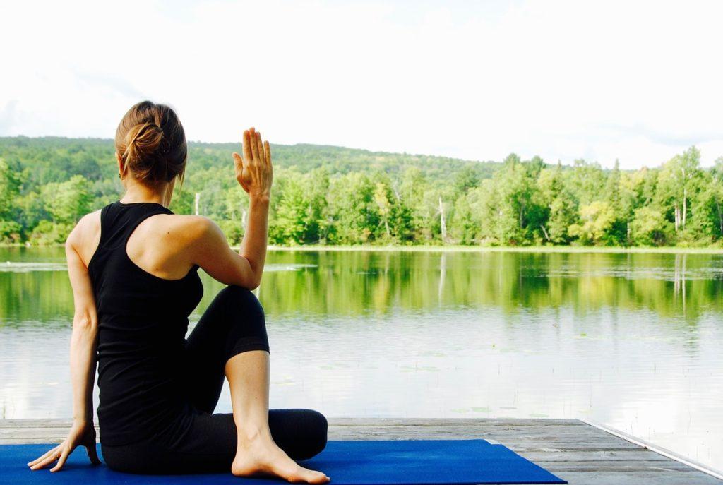 yoga-1812695_1280-1024x687.jpg