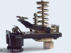 rele-davleniya-dlya-gidroakkumulyatora-15-300x225.jpg