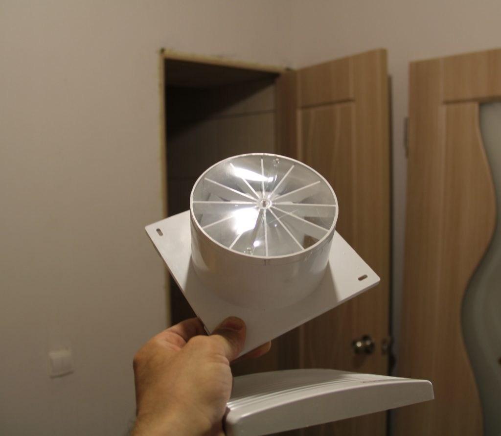 Besshumnyiy-ventilyator-dlya-vyityazhki-17.jpg