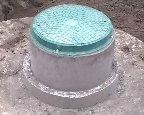 Plastikovye-kanalizatsionnye-lyuki.jpg