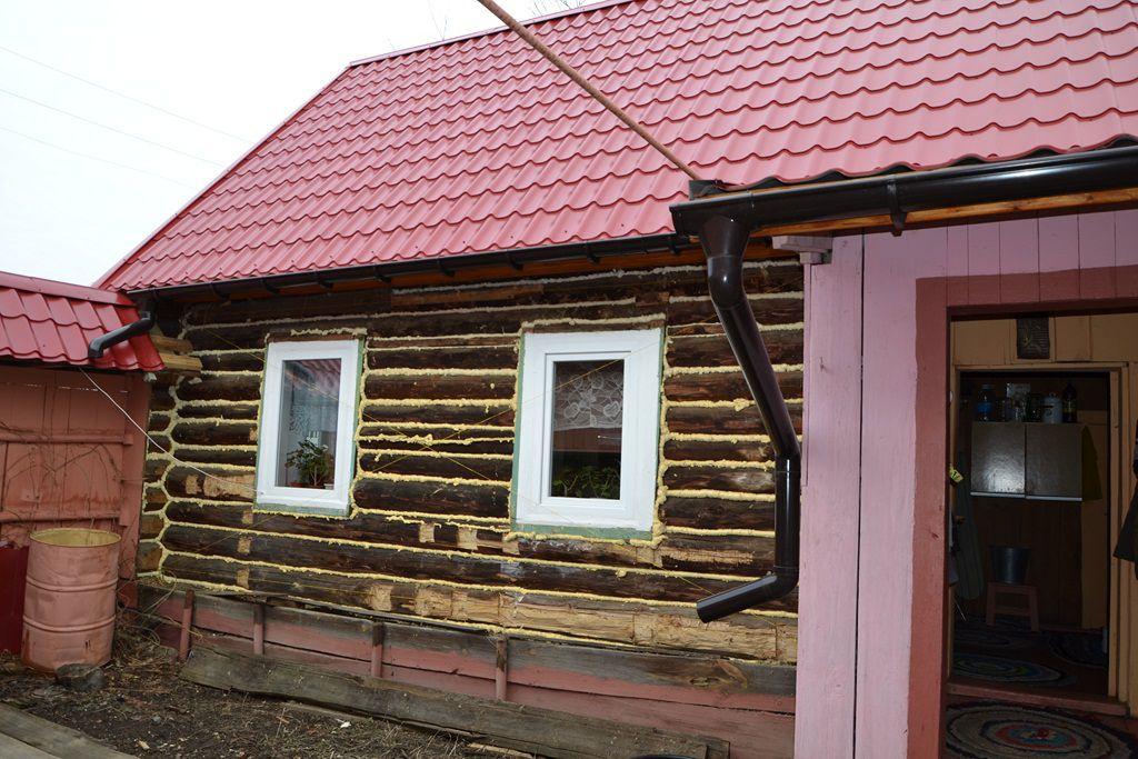 CHem-uteplit-derevyannyy-dom-snaruzhi.jpg
